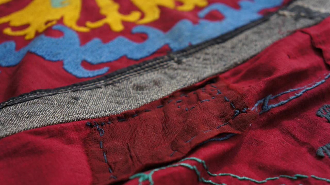 Large Vintage Uzbek Suzani Needlework Textile Blanket or Tapestry For Sale 2