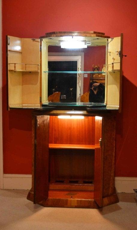 antique art deco burr walnut cocktail bar at 1stdibs. Black Bedroom Furniture Sets. Home Design Ideas