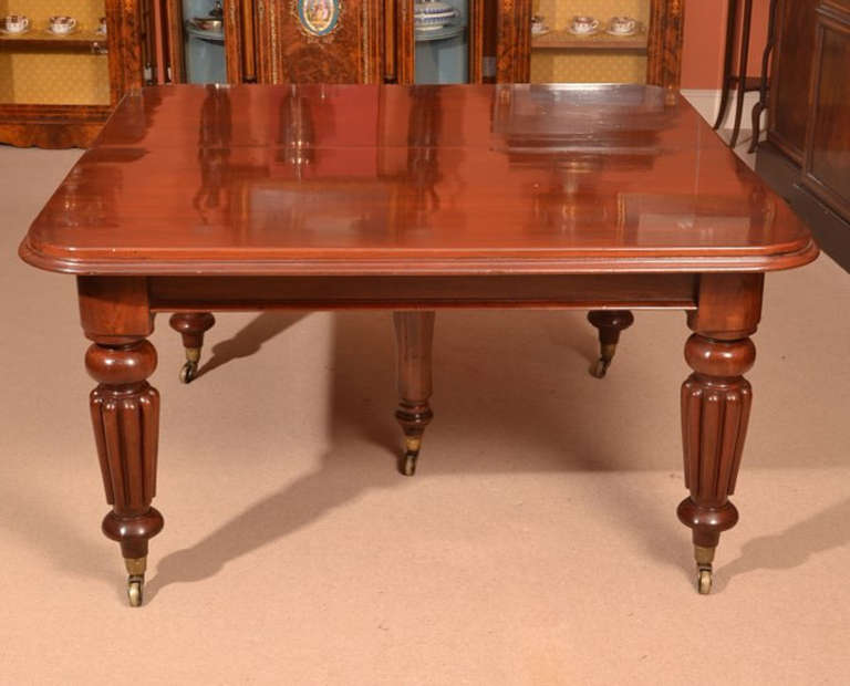 Antique victorian dining table and 12 chairs at 1stdibs for Dining room tables victorian