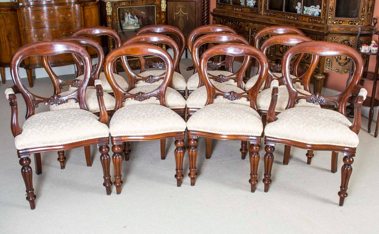 Antique Victorian Dining Table And 12 Chairs At 1stdibs