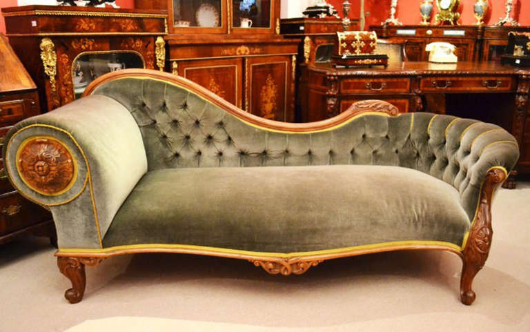 Antique victorian french walnut chaise longue at for Antique chaise longe