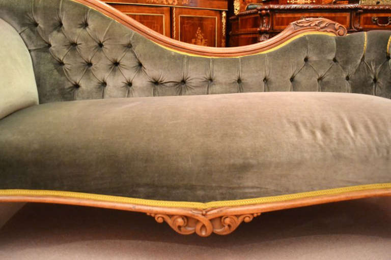 Antique victorian french walnut chaise longue at for Chaise longue antique