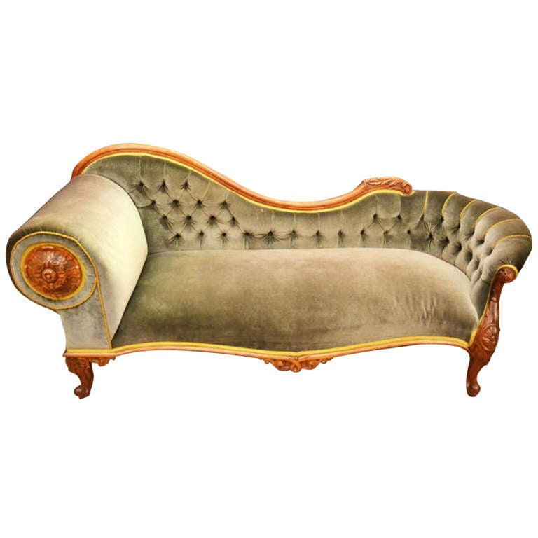 Antique victorian french walnut chaise longue at for Antique victorian chaise longue