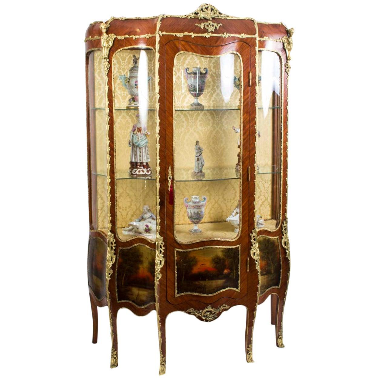 antique french kingwood vernis martin vitrine circa 1880 at 1stdibs. Black Bedroom Furniture Sets. Home Design Ideas