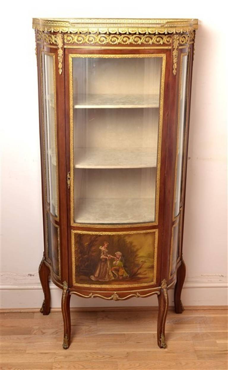 Antique french vernis martin cabinet vitrine at 1stdibs for Sideboard vitrine