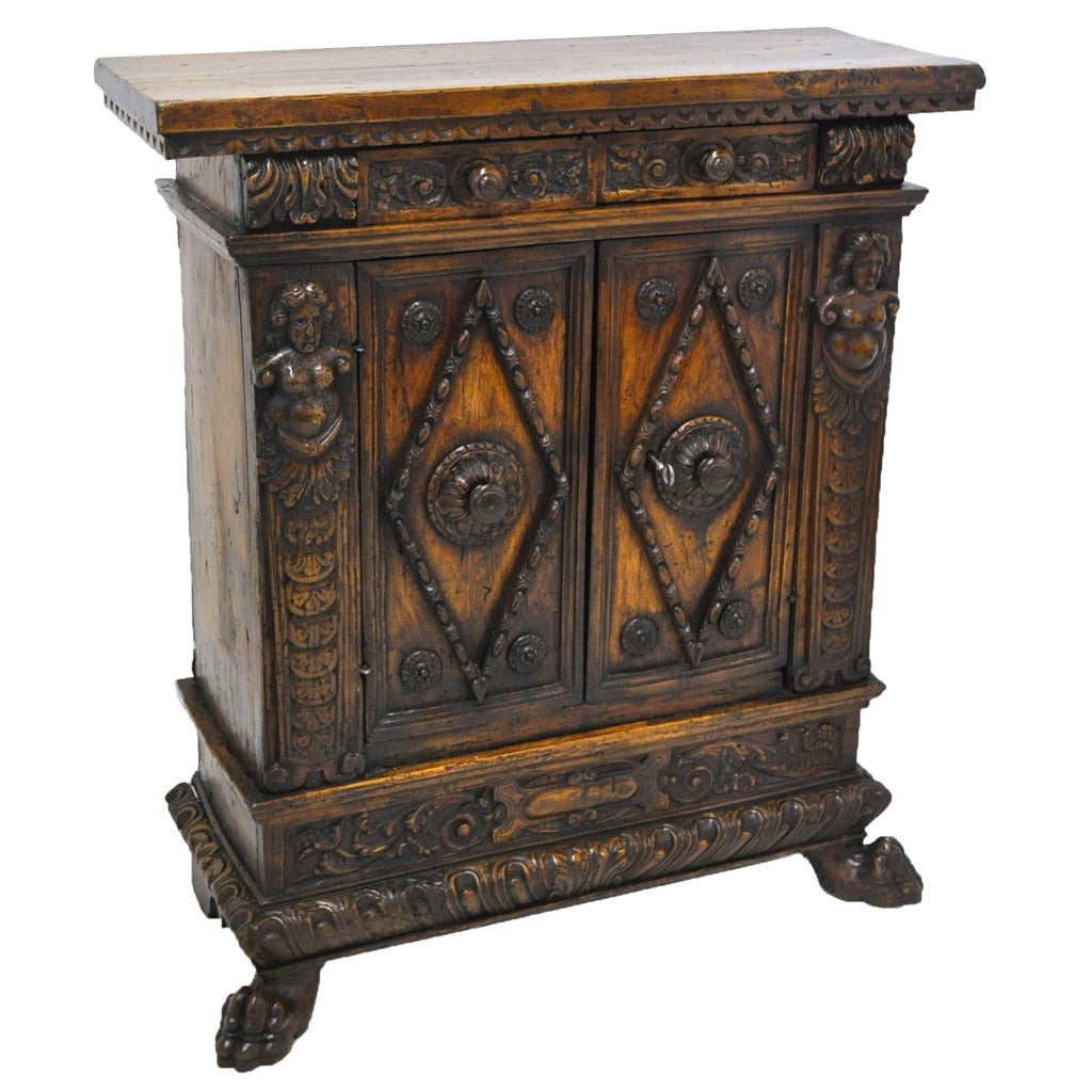 antique italian walnut sideboard buffet cabinet at 1stdibs. Black Bedroom Furniture Sets. Home Design Ideas