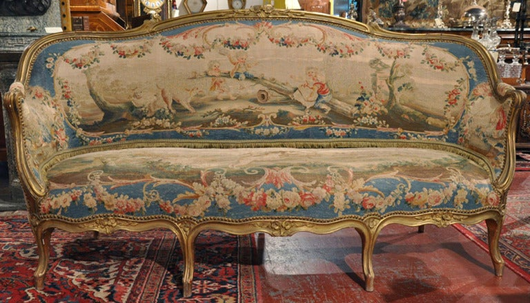19th Century French Louis XV Carved Gilt Canapé with Aubusson Tapestry 2