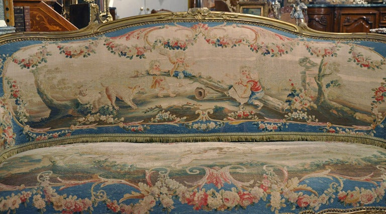 Hand-Carved 19th Century French Louis XV Carved Gilt Canapé with Aubusson Tapestry For Sale