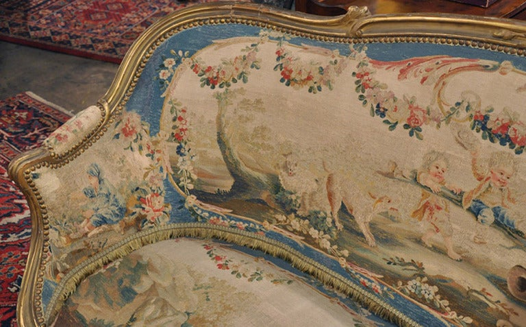 19th Century French Louis XV Carved Gilt Canapé with Aubusson Tapestry For Sale 1