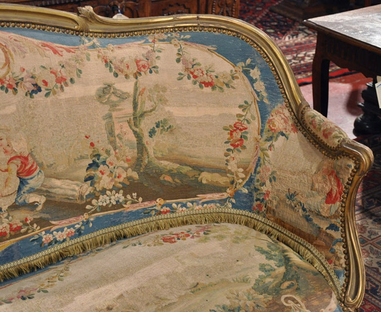 19th Century French Louis XV Carved Gilt Canapé with Aubusson Tapestry For Sale 2