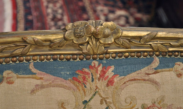 19th Century French Louis XV Carved Gilt Canapé with Aubusson Tapestry For Sale 5