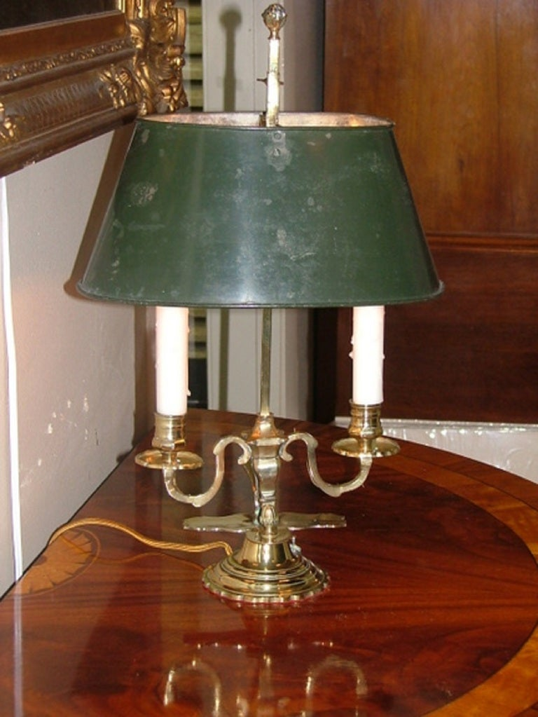 French Louis XV Style Two-Light Bouillotte Lamp with Adjustable Tole Green Lamp Shade For Sale