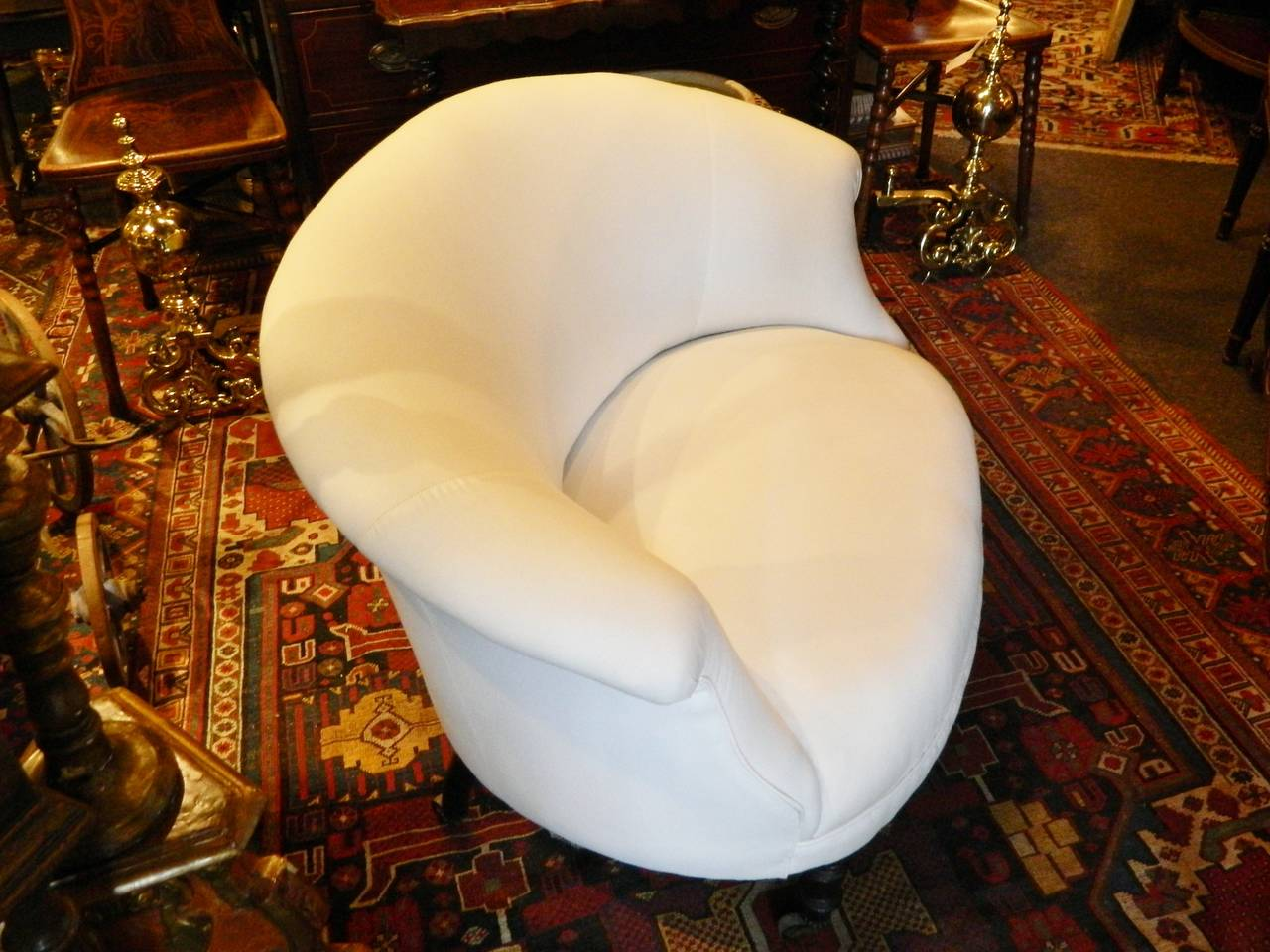 French Napoleon III Settee Raised on Turned Legs with Casters, circa 1880 For Sale 1