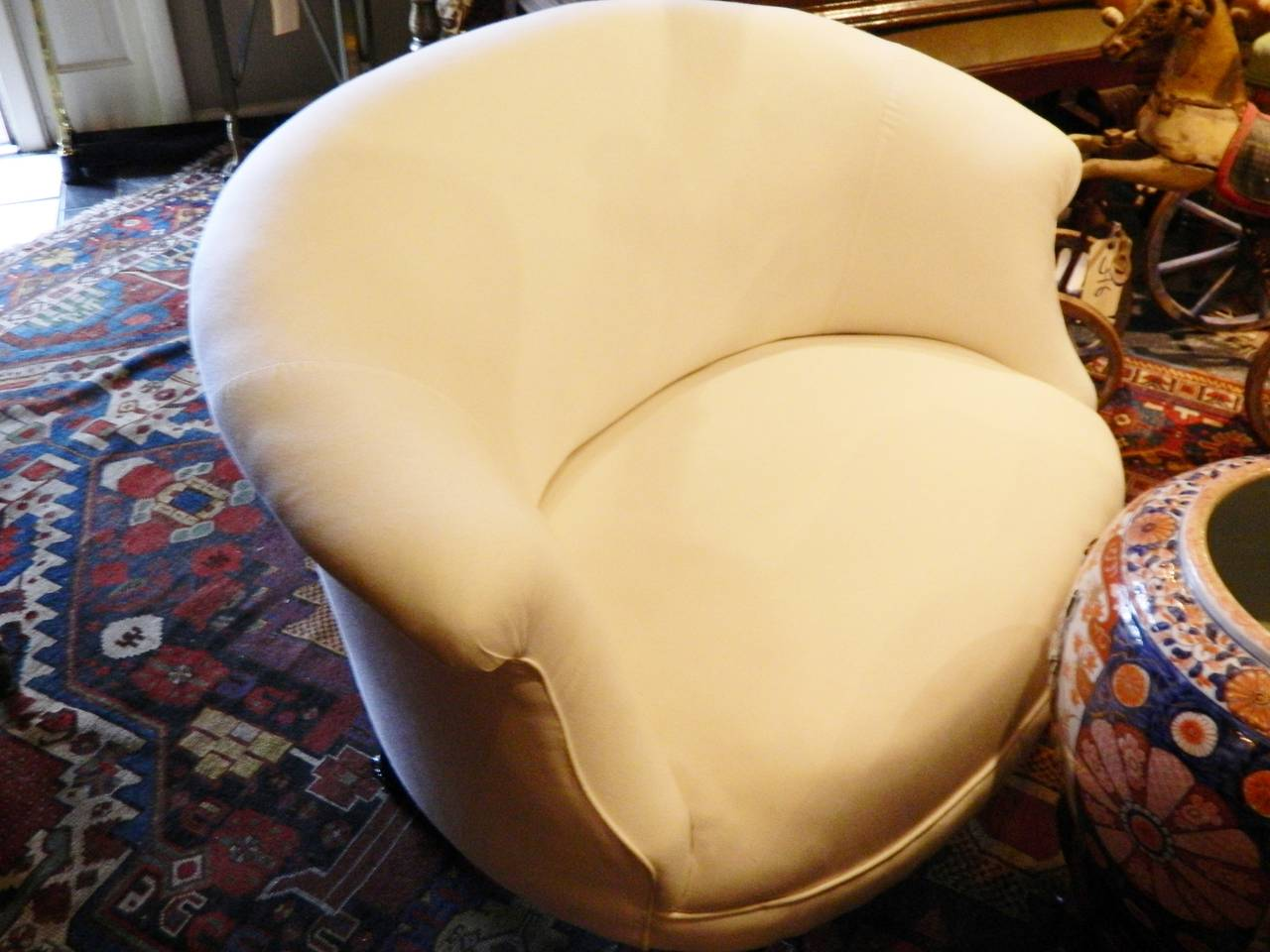 French Napoleon III Settee Raised on Turned Legs with Casters, circa 1880 For Sale 4
