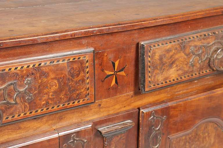18th Century and Earlier 18th Century French Burl Walnut and Inlaid Buffet From Lyon, France For Sale