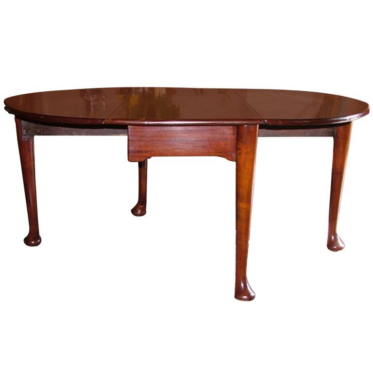 American Solid Mahogany Gate Leg Table Circa 1820 For
