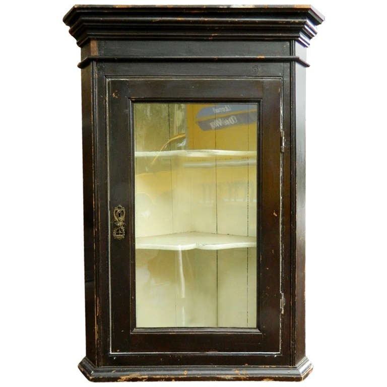 19th Century Rustic English Corner Hanging Cabinet with Glass Door 1 - 19th Century Rustic English Corner Hanging Cabinet With Glass Door