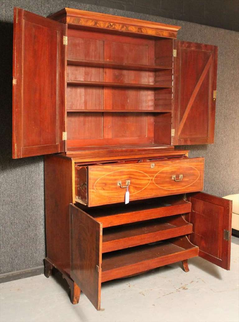 American Federal Inlaid Mahogany Bookcase Secretary, 19th Century For Sale 1