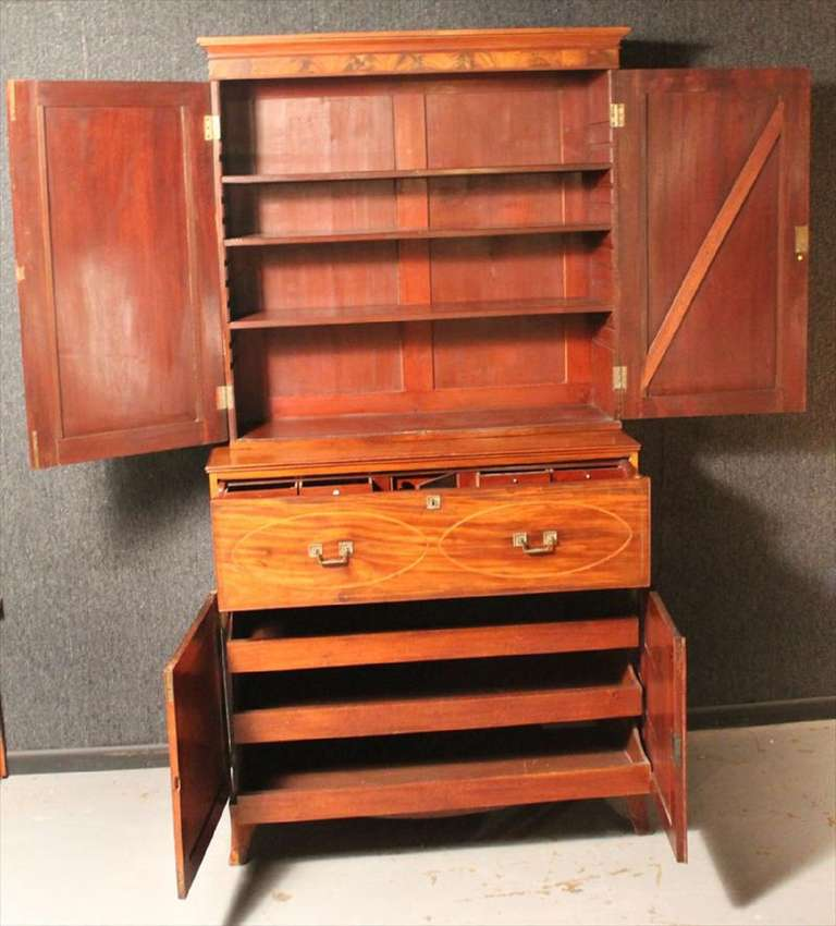 American Federal Inlaid Mahogany Bookcase Secretary, 19th Century For Sale 3