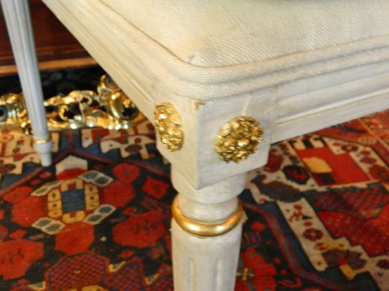 Louis XVI Style French Painted Tall Stool with Gold Trim, Early 20th Century For Sale 2
