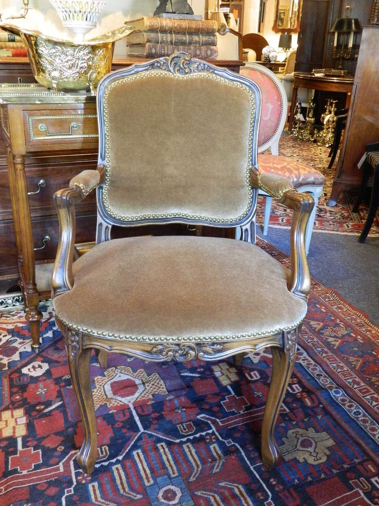 French Louis XV Style Carved Arm Chair Upholstered in Mohair, Early 20th Century For Sale