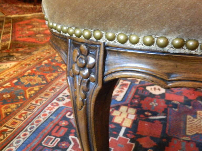 Louis XV Style Carved Arm Chair Upholstered in Mohair, Early 20th Century For Sale 4