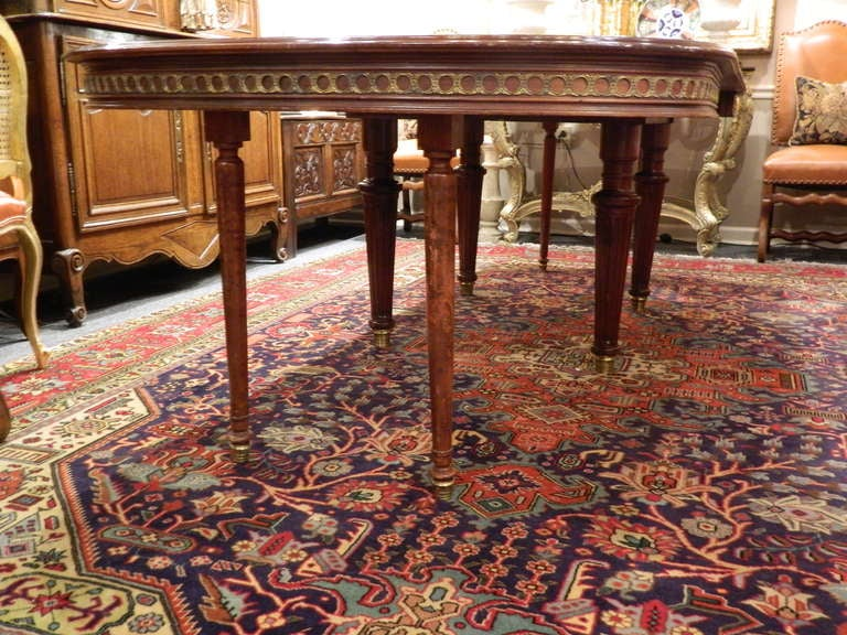 Louis XVI Style Mahogany Dining Table with Ormolu Banding, Early 20th Century 5