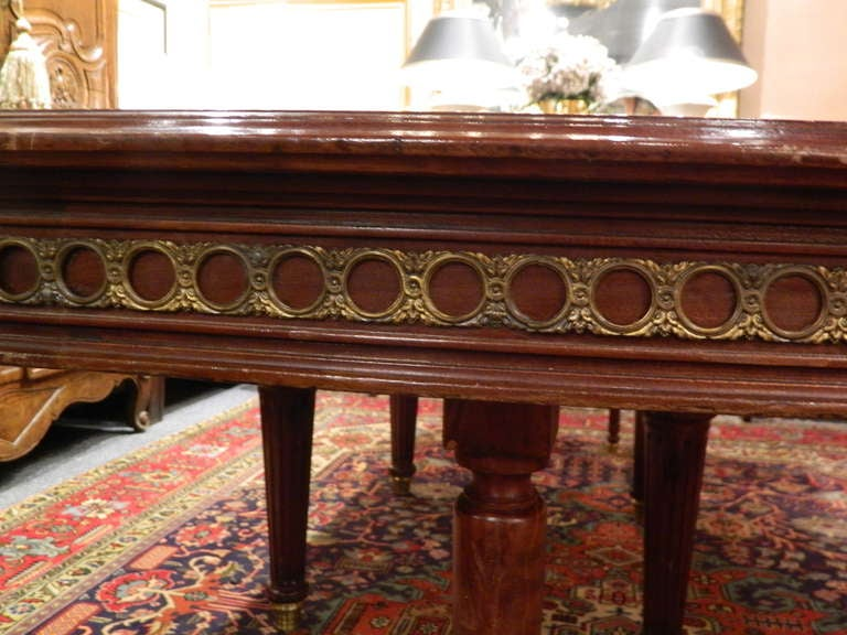Louis XVI Style Mahogany Dining Table with Ormolu Banding, Early 20th Century 7