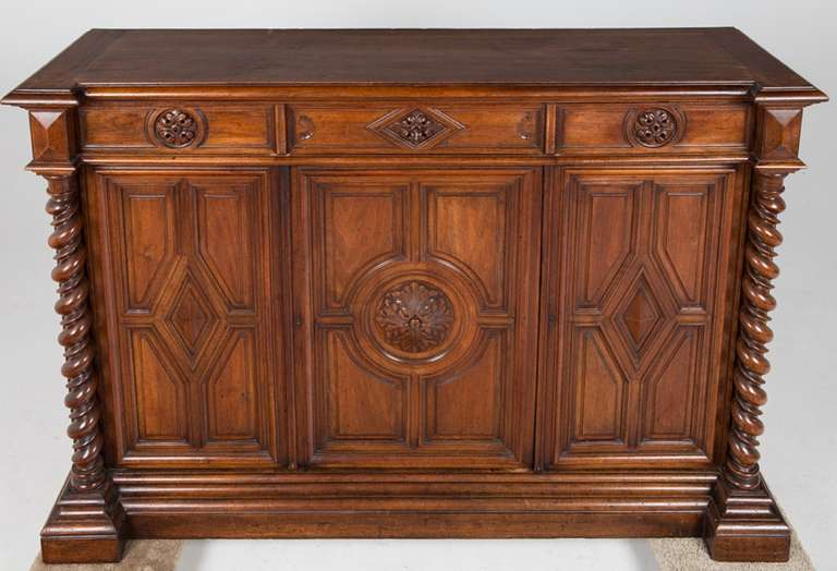 French Renaissance Style Walnut Sideboard or Side Cabinet, 19th Century For Sale 2