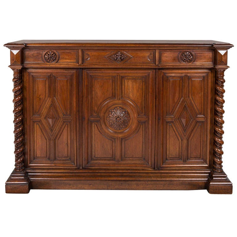 French Renaissance Style Walnut Sideboard or Side Cabinet, 19th Century For Sale