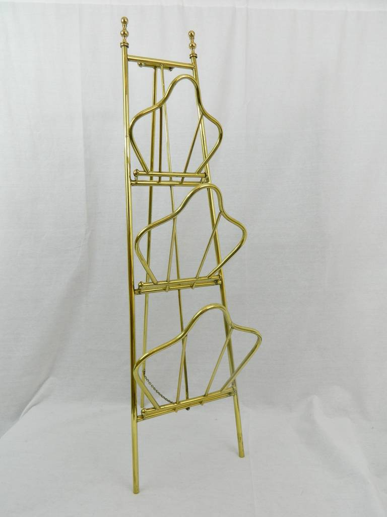 19th Century French Polished Brass Magazine Stand In Excellent Condition For Sale In Savannah, GA