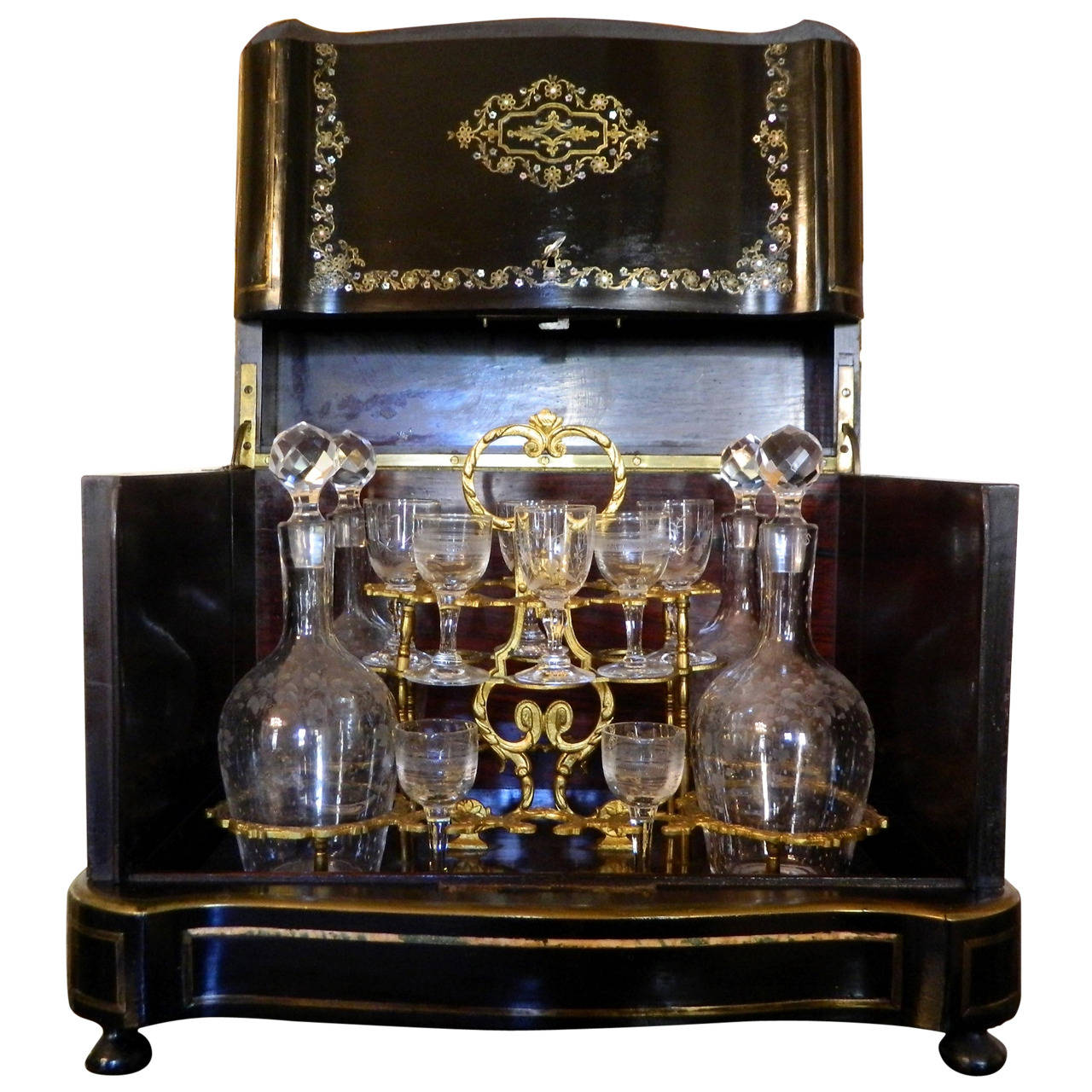 French Boulle and Brass Inlay Tantalus Set or Liquor Cabinet, circa 1870  For Sale - French Boulle And Brass Inlay Tantalus Set Or Liquor Cabinet, Circa