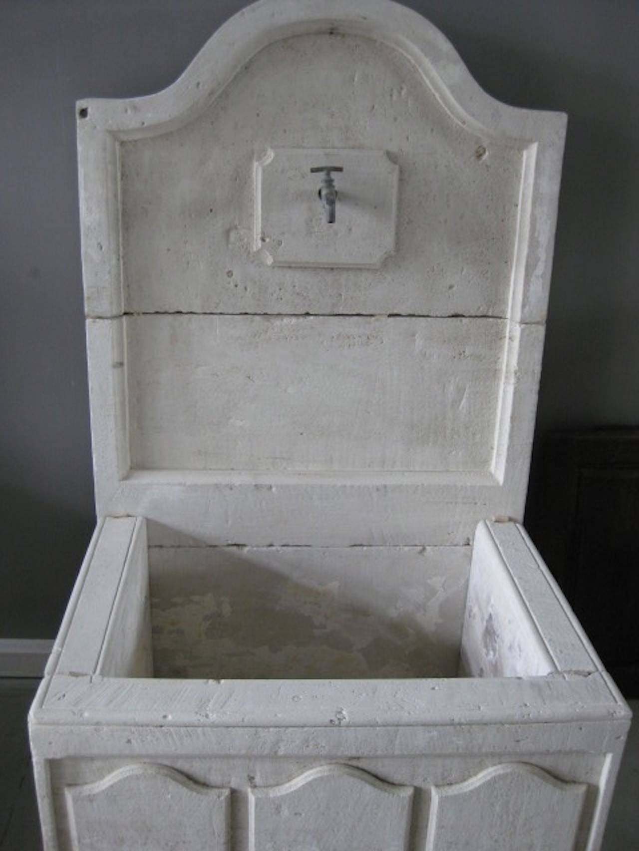 French Louis XIV Style Fountain Handcrafted Limestone, Provence, France In Good Condition For Sale In LOS ANGELES, CA