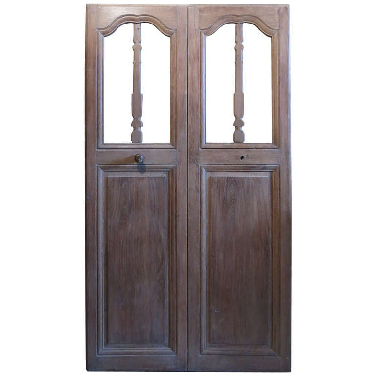 French Chapel Presbytere Louis XIV Period Double Doors in Oak circa 1700s France