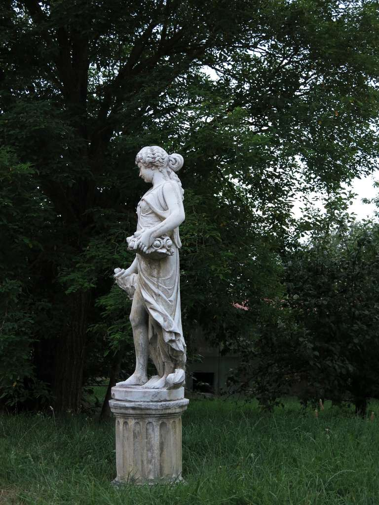 4 Seasons Statues (The Set) in Cast-Stone 20th Century - France 7