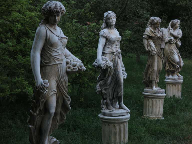4 Seasons Statues (The Set) in Cast-Stone 20th Century - France 2