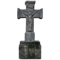 Jesus-Christ Cross in Limestone from France - Symbolic 18th Century.