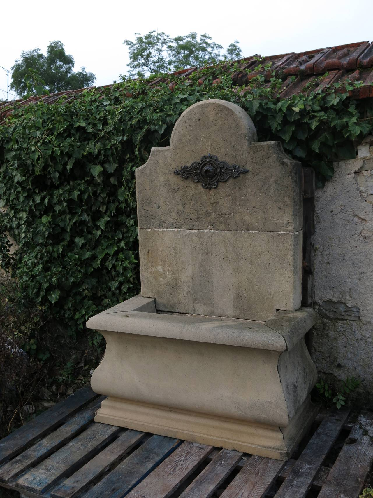 French Louis Xiv Style Wall Fountain Handcrafted With Iron