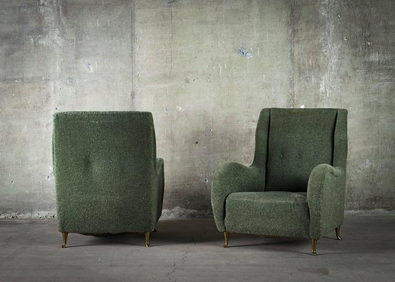 Pair of Italian I.S.A. Club Chairs with Shaped Arms on Raised Bronze Legs, 1950s For Sale 1