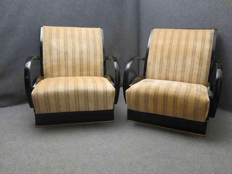 Pair of Art Deco Walnut Wood and Velvet Fabric Italian Armchairs, 1940 For Sale 1