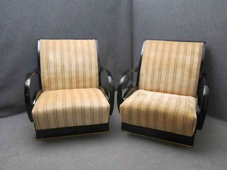 Pair of Art Deco Walnut Wood and Velvet Fabric Italian Armchairs, 1940 For Sale 5