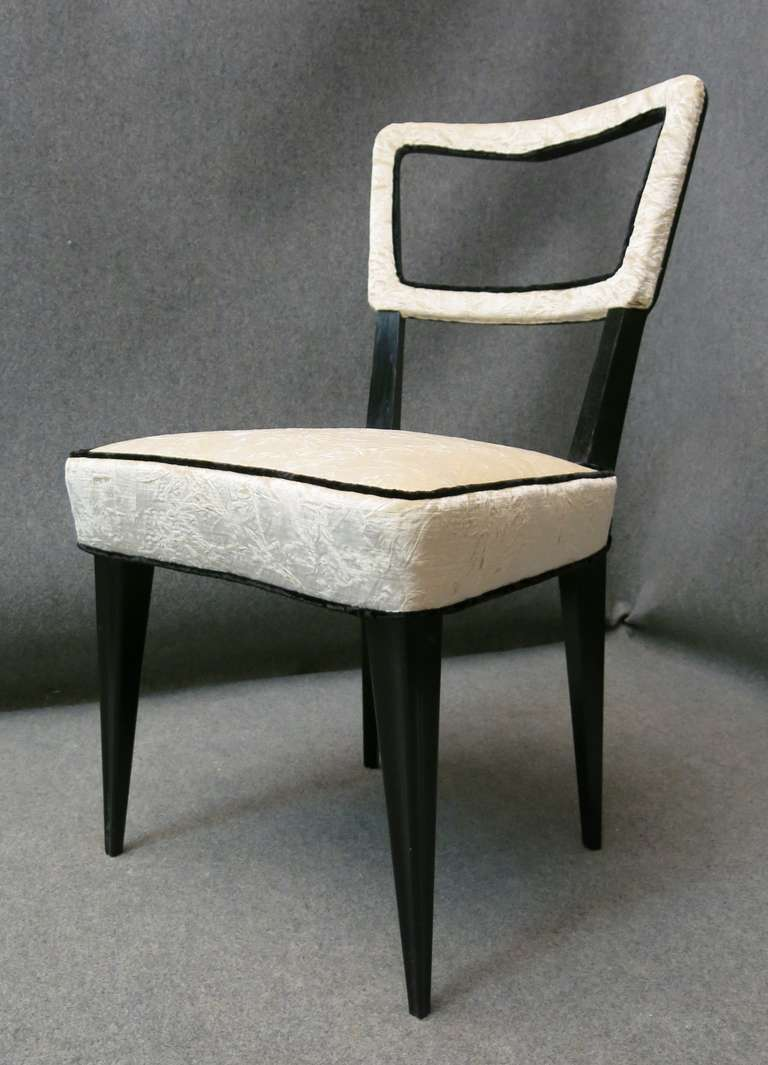 Lacquered Eight Osvaldo Borsani attributed 1940s Black and White Italian Chairs Art Deco For Sale