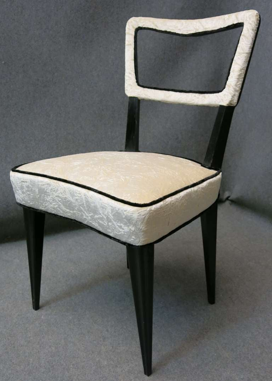 Eight Osvaldo Borsani attributed 1940s Black and White Italian Chairs Art Deco For Sale 3