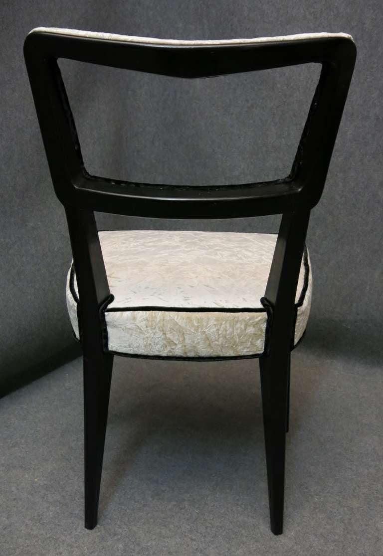Oak Eight Osvaldo Borsani attributed 1940s Black and White Italian Chairs Art Deco For Sale