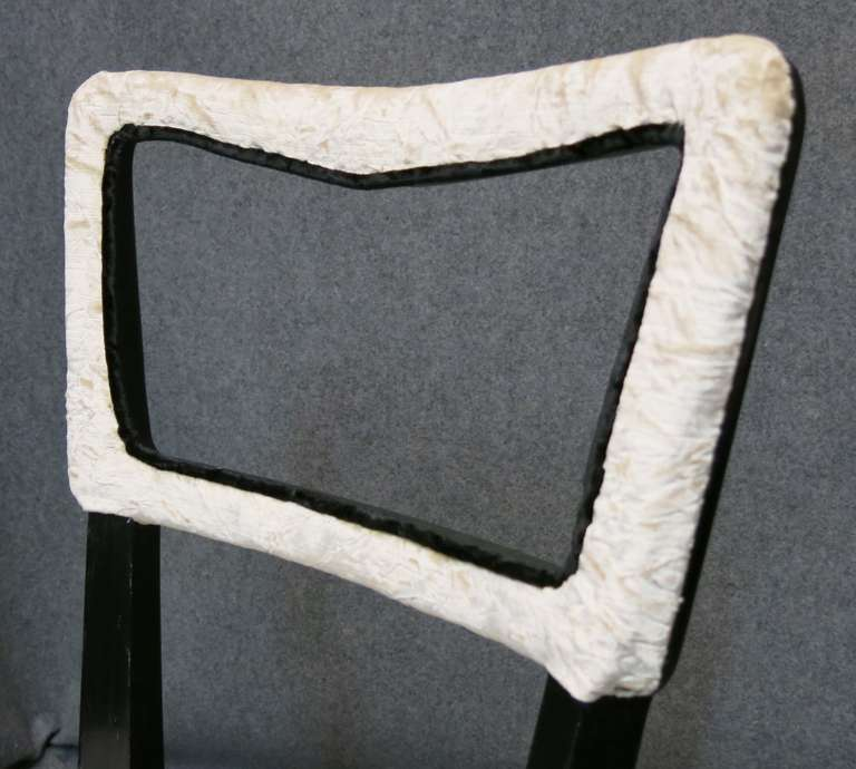 Eight Osvaldo Borsani attributed 1940s Black and White Italian Chairs Art Deco For Sale 1