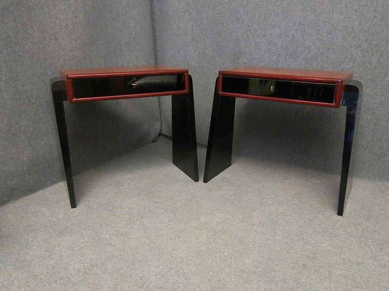 Pair of Art Deco Glass and Wood Austrian Nightstands, 1930 In Excellent Condition For Sale In Rome, IT