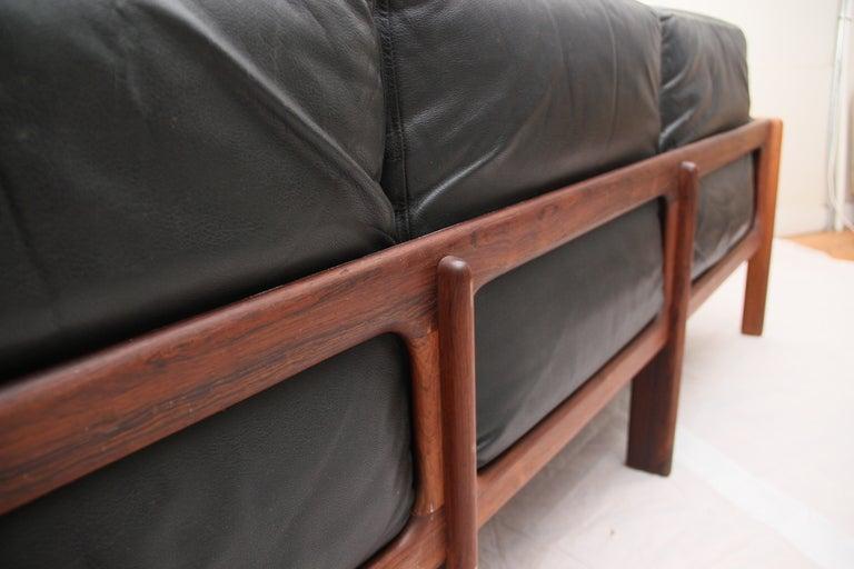 komfort mobler sofa at 1stdibs. Black Bedroom Furniture Sets. Home Design Ideas
