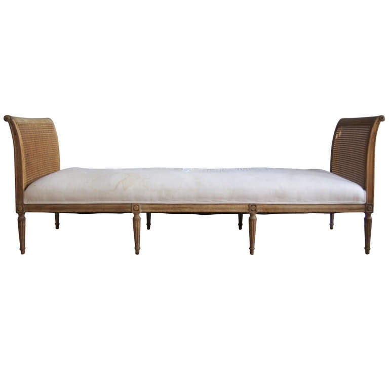 Antique French Louis Xvi Style Beechwood Daybed At 1stdibs