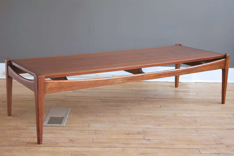Mid Century Modern Bassett Walnut Coffee Table At 1stdibs