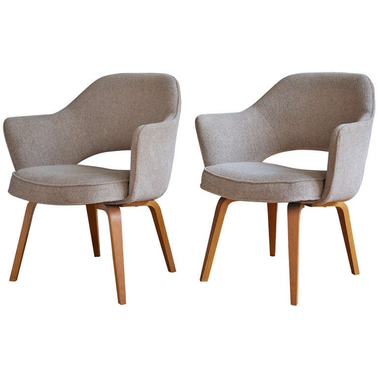 Pair Of Eero Saarinen Executive Armchairs For Knoll At 1stdibs